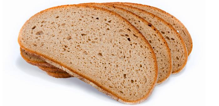 nęcenie karpi chlebem